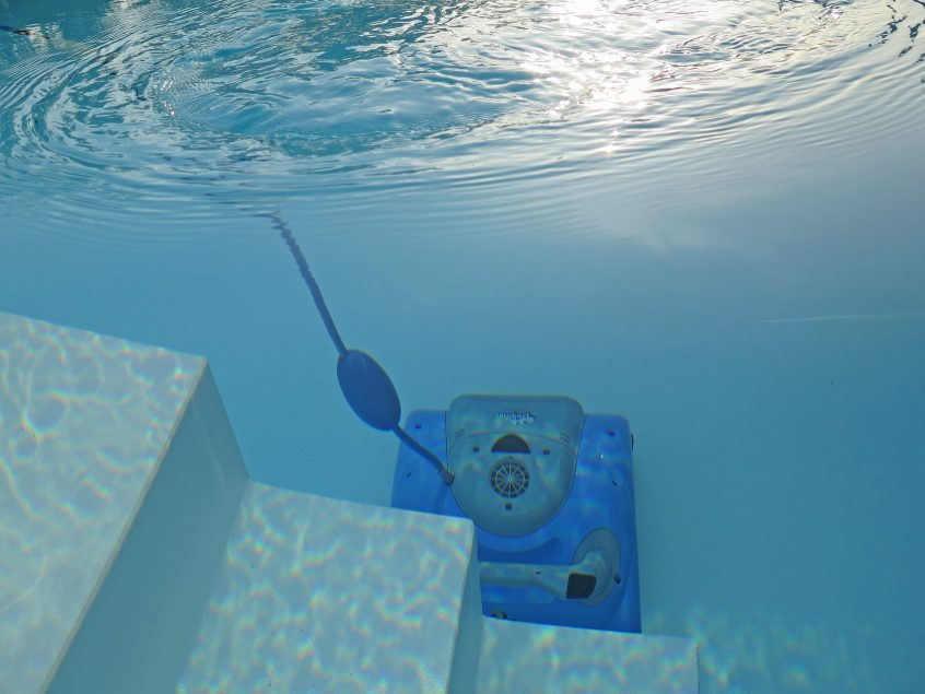 With a vast number of automatic swimming pool cleaners in the market, industry professionals must now be well-versed in troubleshooting common problems, as well as successfully correcting user-error issues.