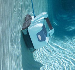 Check for water in the pool cleaner's handle, as this may cause the unit's brushes to lift off the wall, causing the cleaner to fall off.