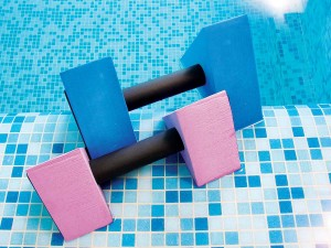Health benefits of swimming aquatic dumbells