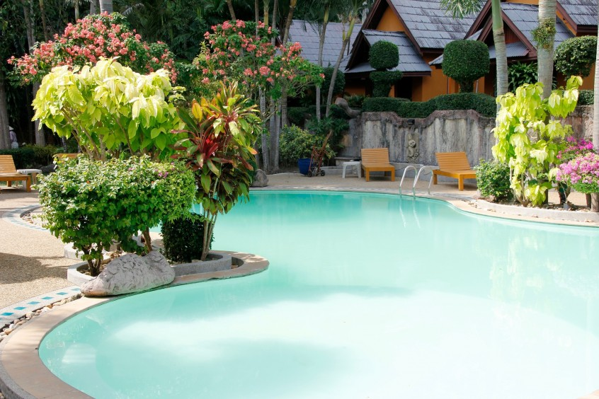 How to Overcome Price Resistance and Make a Profit In Swimming Pool Service Industry